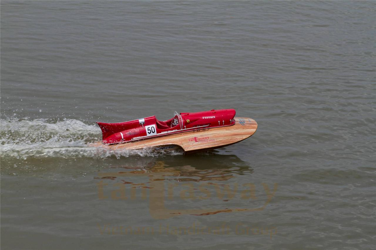 RTR RC Ferrari hydroplane brushless motor, scale 1/8 ...